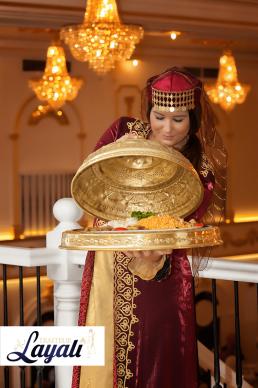 Turkse catering tajine geserveerd