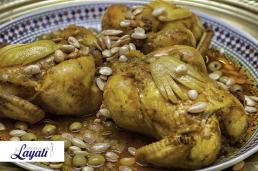 Marokkaanse keuken kiptajine met citroen en olijven